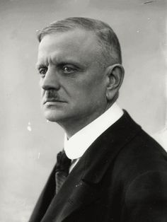 MUSIClassical notes: Sibelius Symphony No 5 in Eb Op 82