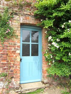 Another example of Farrow & Ball's Blue Ground taking on particularly blue tones in the bright natural light. The darker colours really help the colour radiate on this farmhouse door. Cottage Style Doors, Cottage Door, Cottage Exterior, Rose Cottage, English Farmhouse, English Cottage Style, Farmhouse Door, Home Styles Exterior, Exterior House Colors