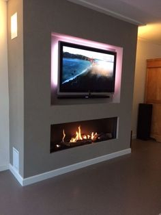 Fireplace 10 Friendly Clever Tips: Contemporary Cottage Decor contemporary farmhouse floorplan. Fireplace Tv Wall, Linear Fireplace, Living Room With Fireplace, Fireplace Design, Fireplace Ideas, Wallpaper Fireplace, Stone Wallpaper, Contemporary Gas Fireplace, Contemporary Cottage