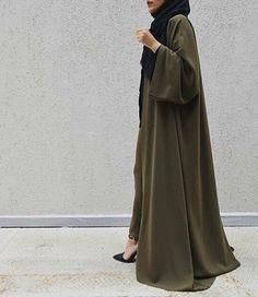 Green abaya by EsteeAudra. Hijab Fashion 2016, Arab Fashion, Islamic Fashion, Muslim Fashion, Modest Fashion, Fashion Outfits, Fashion Wear, Hijab Dress, Hijab Outfit