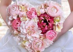 色あせない美しさ♡王道クラシックを極めたラトリエマリアージュのドレスが可愛すぎ♡ Wedding Boxes, Floral Wreath, Wreaths, Wallpaper, Rose, Amazing, Flowers, Beautiful, Decor