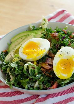 BLT Breakfast Salad With Soft Boiled Eggs & Avocado| soletshangout.com