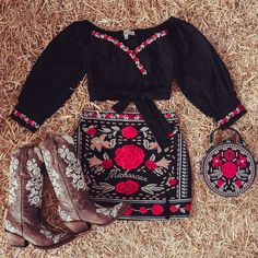 Sexy Cowgirl Outfits, Western Outfits Women, Country Style Outfits, Rodeo Outfits, Western Wear For Women, Casual Dress Outfits, Summer Dress Outfits, Cute Outfits, Fashion Outfits