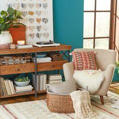 Muebles, accesorios y todo lo que necesitas para crear espacios con estilo. Sólo lo encuentras en Pier 1 Imports.