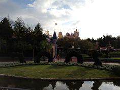 Création artistique à Disneyland Paris en face du pavillon des princesses