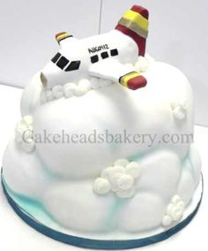 Airplane in the clouds Birthday Parties, Birthday Cake, Couture Cakes, Creative Cakes, Cake Creations, Cupcake Cakes, Cupcakes, Amazing Cakes, Balloon Party