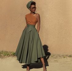 This weather today makes me want to switch my closet over from winter to summer 🧡 Who has done that already - Show hands 🙋🏾♀️ I don't care if nobody can see my outfit. African Print Fashion, African Fashion Dresses, African Dress, African Prints, Classy Dress, Classy Outfits, Stylish Outfits, Dress Casual, Looks Chic