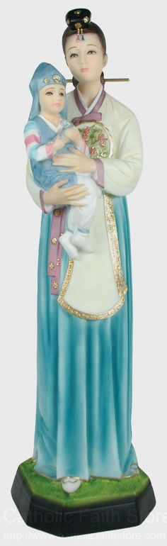 Statues of the Madonna inspire deep devotion as we reflect on Mary's great love for the Christ child. Catholic Art, Catholic Saints, Religious Art, Religious Images, Blessed Mother Mary, Blessed Virgin Mary, Images Of Mary, Queen Of Heaven, Mama Mary