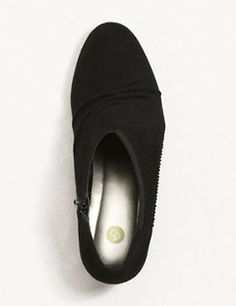 Cute Women's Dress Shoes & Wide Shoes | dressbarn