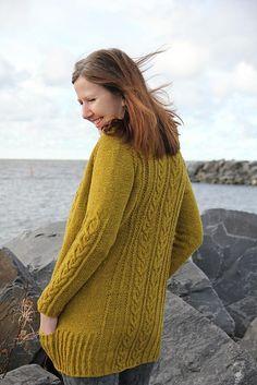 "Ravelry: h-e-l-i's Naturally yours *test knit* Design : ""Naturally yours"" by Hanna Maciejewska Yarn : Gilliatt De Rerum Natura ""genêt"""
