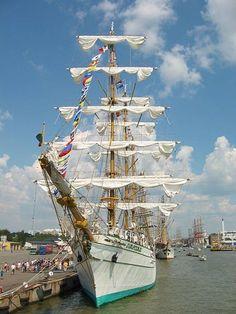 File:The Tall Ships Races Turku.jpg