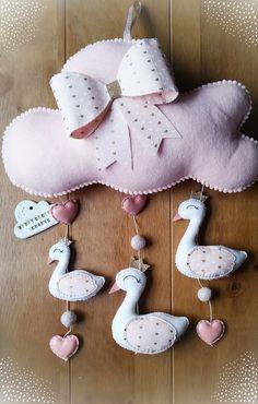 Cisne bebé móvil, decoración de la pared de cisne, cisne vivero, Blush y oro, bebé niña guardería, regalos de bebé, cisnes, cisne tema guardería, arco