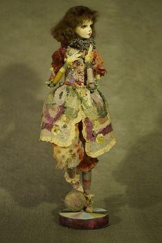 Кукольный уголок