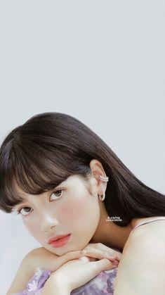 Kim Jennie, Kpop Aesthetic, Aesthetic Girl, Kpop Girl Groups, Kpop Girls, Lisa Blackpink Wallpaper, Lisa Bp, Fit Black Women, Blackpink Photos