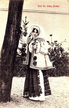 #Transylvania Port din Sebes Ardeal gel. 1906 Folk Costume, Costumes, Old School, School Stuff, Historical Pictures, Folklore, Hungary, Around The Worlds, Culture