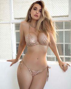 Hot sexy nude fuck in bedroom