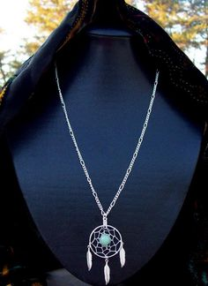 please oh please! dreamcatcher necklace