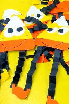Fall Crafts For Kids of All Ages - Fun and Easy Fall Crafts and Craft Projects for Kids to Make - - Cute and Easy DIY Kids Fall Crafts To Make at Preschool, Pre-K, Sunday School Or a Fun Craft Project At Home – Here are some easy and FUN Fall crafts …. Fall Arts And Crafts, Halloween Arts And Crafts, Easy Fall Crafts, Halloween Snacks, Fun Crafts, Fall Halloween, Decor Crafts, Paper Crafts, Adult Crafts