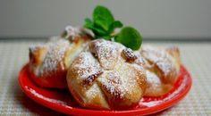 Druh receptu: Sladkosti - Page 101 of 325 - Mňamky-Recepty. Cheese Buns, Cheese Pastry, Köstliche Desserts, Delicious Desserts, Pastry Recipes, Cooking Recipes, Cooking Ideas, Jo Cooks, Batter Recipe