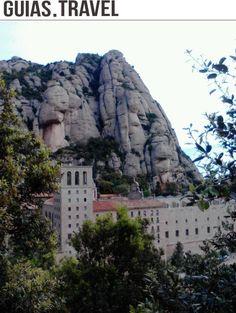 El Monasterio de Montserrat, fundado en el año 1025 para conmemorar la aparición de la Virgen La Moreneta, patrona de Catalunya http://www.viajarabarcelona.org/?page=montserrat.php