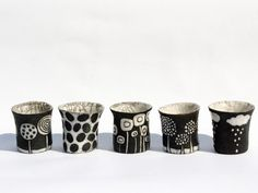 Camille Campignion D'une terre à l'autre (I especially like the from the left) Raku Pottery, Pottery Mugs, Ceramic Decor, Ceramic Cups, Ceramic Art, Pottery Painting, Ceramic Painting, Modern Ceramics, White Ceramics