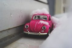 Download this free photo here www.picmelon.com #freestockphoto #freephoto #freebie /// Toy Car in the Snow | picmelon