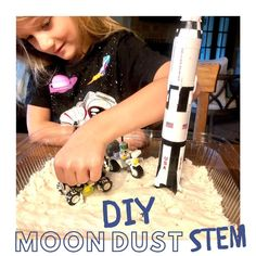 Have you ever wondered what that dusty surface of the Moon is like? Now you can learn about it and play with Moon dust (like kinetic sand) that you can make right in your kitchen! Moon Missions, Apollo Missions, Eugene Cernan, Astronauts On The Moon, Kinetic Sand, Moon Dust, Things Under A Microscope, Man On The Moon, Moon Landing