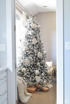 Looking for for ideas for farmhouse christmas tree? Browse around this site for amazing farmhouse christmas tree ideas. This particular farmhouse christmas tree ideas looks entirely fantastic.