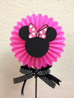 Minnie Mouse Birthday Centerpiece pink boa Baby by TheGirlNXTdoor Minnie Mouse Birthday Decorations, Minnie Mouse First Birthday, Minnie Mouse Theme, Minnie Mouse Baby Shower, Baby Birthday, Mickey Birthday, Birthday Centerpieces, Mouse Parties, Disney Parties