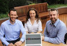 'O Love Mondays foi criado em junho do ano passado com o objetivo de reunir as opiniões das pessoas sobre as empresas em que trabalham. Não é necessário se identificar. Os membros do site podem dizer o que lhes agrada (ou desagrada) em suas companhias, como é a cultura corporativa e outras informações que ajudem outros usuários a fazer escolhas de carreira. '