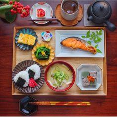 x Japanese Wine, Asian Recipes, Ethnic Recipes, Fresh Rolls, Foods, Food Food, Food Items, Asian Food Recipes