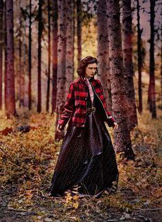 Celia Becker Photographer: Carl Bengtsson Stylist: Jenny Fredriksson Make-up: Nina Belkhir Hair: Kalle Eklund