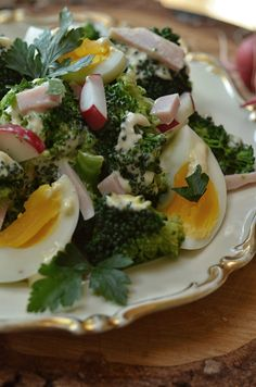 sałatka zbrokułami, jajkiem iszynką Appetizers Table, Cooking Recipes, Healthy Recipes, I Love Food, Salad Recipes, Salads, Clean Eating, Food And Drink, Yummy Food