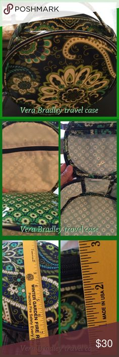 Vera Bradley travel case or jewelry Vera Bradley travel case, which I used as a jewelry case, gently used! Has a few compartments, nice trace bag Vera Bradley Jewelry
