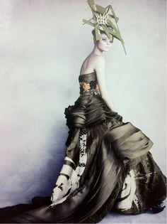 66lanvin:  DIOR par DEMARCHELIER, MIYA-SAMA-SAN dress, Printemps-Été Circa 2007………No.22