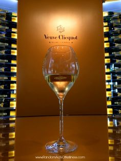 Tips for a day trip to Champagne from Paris, with emphasis on Champagne tasting and sightseeing in Épernay and Reims, France.