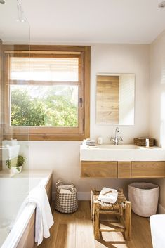 bathroom remodeling is categorically important for your home. Whether you choose the remodeling bathroom ideas or serene bathroom, you will make the best bathroom ideas remodel for your own life. Big Bathrooms, Amazing Bathrooms, Bathroom Windows, Bathroom Interior, Toilette Design, Relaxing Bathroom, Small Bathtub, Bathtub Shower, Clawfoot Bathtub