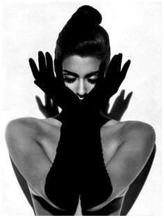 Yasmeen Ghauri. Vogue, September 1991. Photo: Herb Ritts.