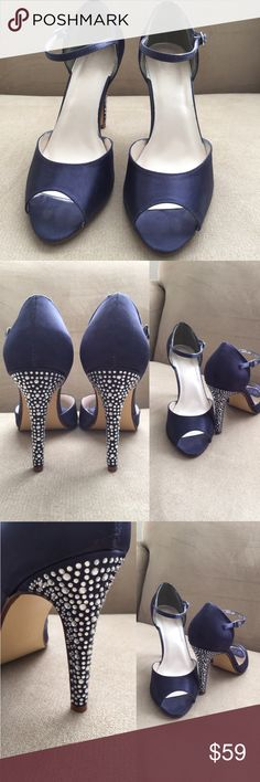 "David Bridal georgeus size 91/2. Georgues Dimond hills 41/2 "" used only for 1 hour. Excellent condition.  Buitifuul Navy blue color. david Bridal Shoes Heels"