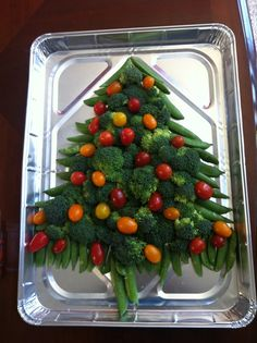Oh Christmas Tree! It's the perfect holiday veggie tray!
