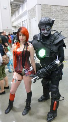 Comic book girl and Borg at Awesome Con