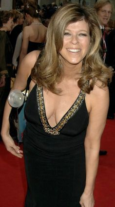 Kate Garraway, not the most exciting, but a milf nonetheless Kate Galloway, Sexy Older Women, Sexy Women, Itv Weather Girl, Kylie Minoque, Donna Mills, Beautiful Women Over 40, Tv Girls, Fitness Models
