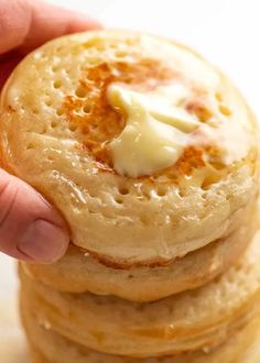 Breakfast Recipes, Snack Recipes, Cooking Recipes, Bread Recipes, Breakfast Club, Yummy Recipes, Homemade Crumpets, Homemade Breads, Breads