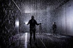 Have you been down to the incredible Rain Room at the Barbican yet? http://ow.ly/fzf0J