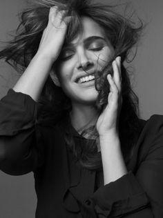 Natalie Portman - Elle France by Mark Seliger, March 2011 Natalie Portman, Pretty People, Beautiful People, Beautiful Women, Mark Seliger, Portraits, Black Swan, Famous Faces, Celebrity Gossip