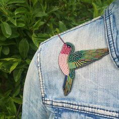 Hummingbird brooch, beaded hummingbird, hummingbird embroidery, beaded hummingbird, seed bead embroidery, embroidered brooch, embroidered hummingbird, hummingbird pin, hummingbird jewelry, bird brooch, bird embroidery