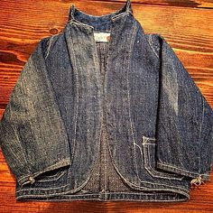 Vintage Denim Workwear jacket, has a great Japanese look to it, looks baggy and I like the curved edges and collar.  Inspiring in general, one to absorb.  #denim #clothingdesign