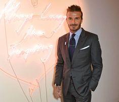 En costume, David Beckham est toujours extrêmement chic.