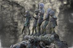 #Sculpture Honoring Albert Cullum...  Share Thanks