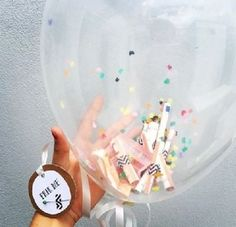 Die 12 originellsten Geldgeschenke für jeden Anlass - DIY-Family If we can't think of anything else, we usually make money gifts. Here you will find the most creative folding and decoration ideas Birthday Rewards, Diy Birthday, Birthday Presents, Presents For Men, Gifts For Him, Don D'argent, When Your Best Friend, Holiday Break, Inexpensive Gift